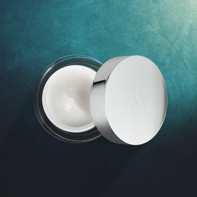 Net-45 - Crema hidratanta, luxoasa bogata in substante active