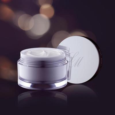 Q3 - Crema de lux, usoara,  antirid, anti vergeturi si cicatriceala ideala dupa expunerea la soare